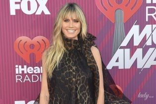 Опять в леопарде: Хайди Клум на светской церемонии в Лос-Анджелесе