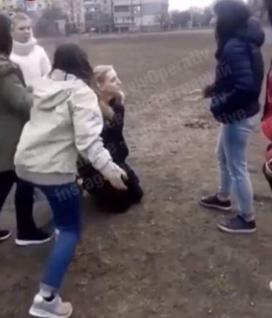 У Києві підлітки жорстоко побили ногами школярку, поліція відкрила кримінальне провадження