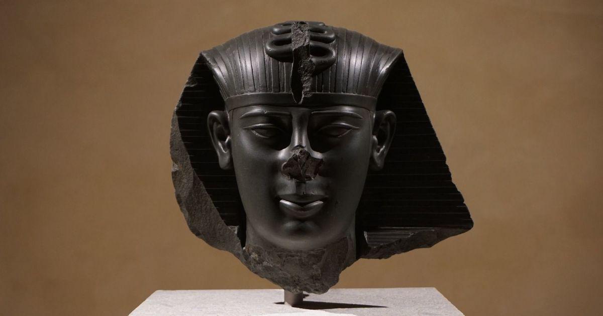 Дослідники назвали неочікувану причину того, що у давньоєгипетських статуй нема носів