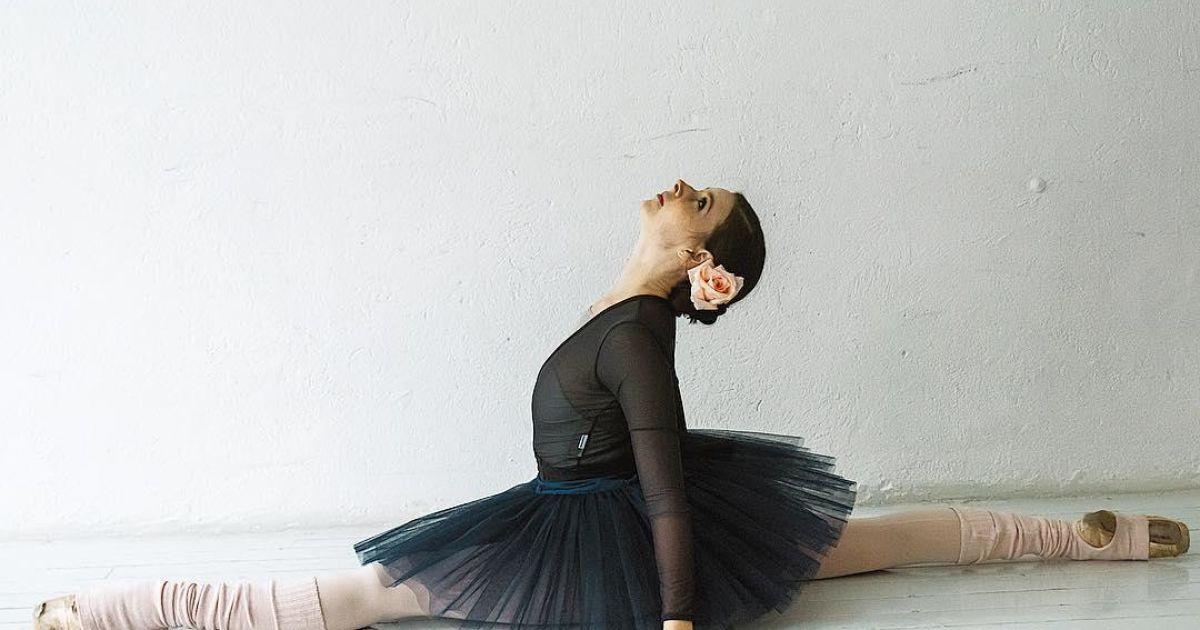 Отлизал у балерины #2