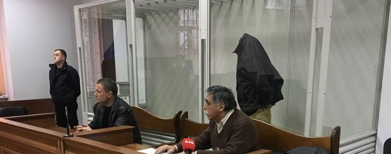 Суд арестовал напавшего на чиновника АП армянина без права на залог