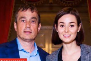 Свидания каждую неделю и путешествия: миллионер Хмельницкий и его жена рассказали о семейных традициях