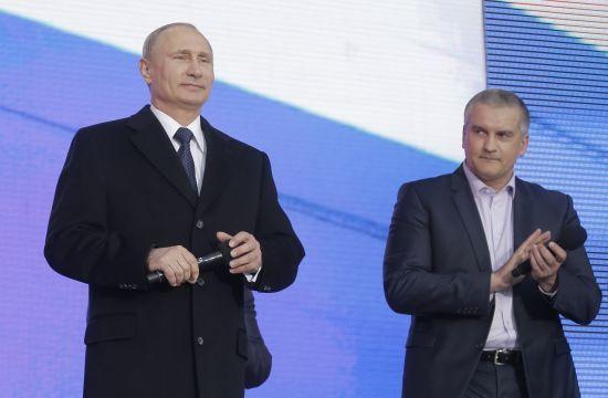 Для Путіна запишуть дебати Зеленського та Порошенка – Пєсков
