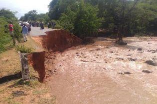 Мощный циклон в Зимбабве унес жизни 65 человек