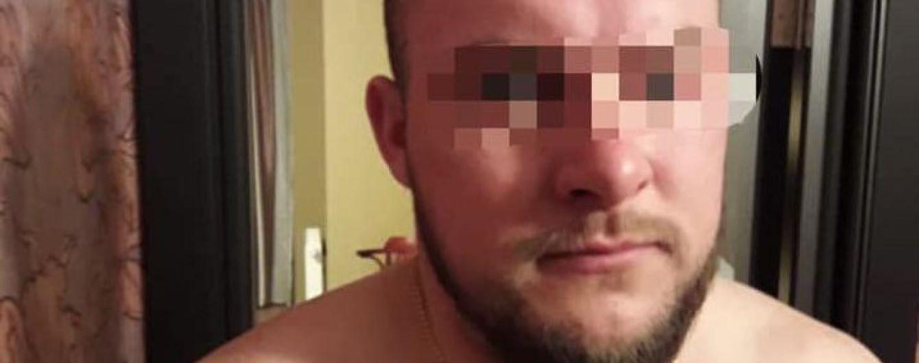 У Києві поліція затримала двох розбійників, які пограбували і вбили чоловіка через кілька днів після одруження