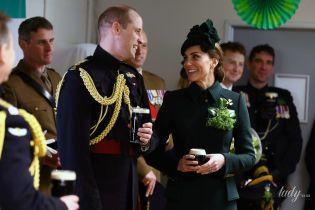 Красивая герцогиня и принц в военной форме: Кембриджи на параде в честь Дня святого Патрика