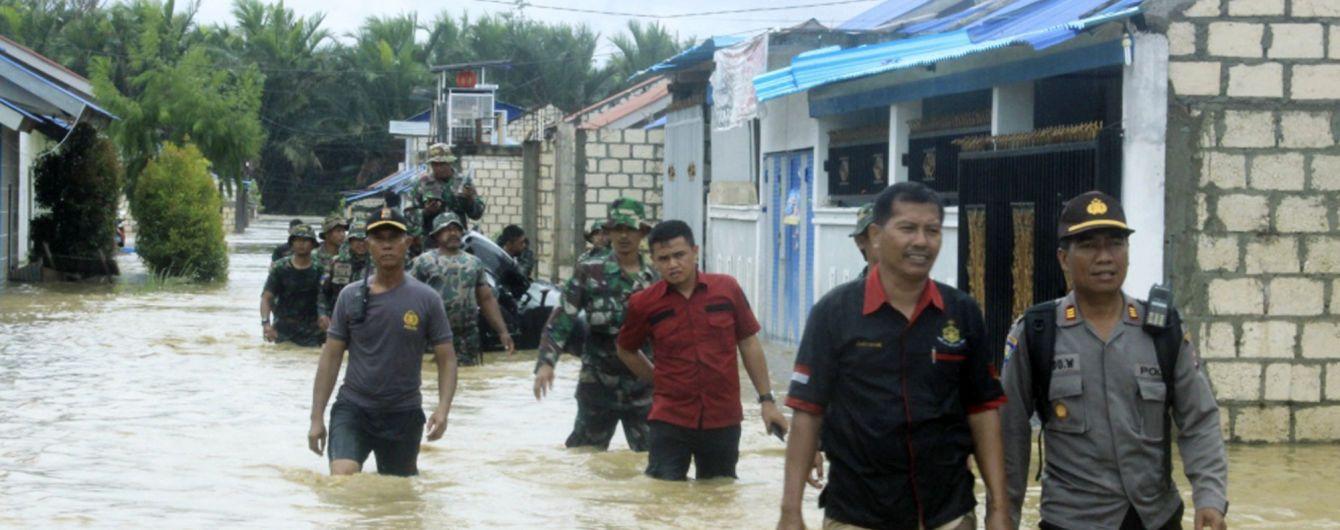 Внаслідок повені в Індонезії загинуло вже 77 осіб