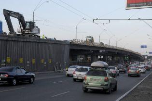 Значні затори мостами: ситуація на дорогах Києва 26-го травня
