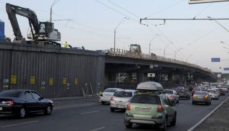 Ремонт Шулявского моста в Киеве привел к десятибалльным пробкам