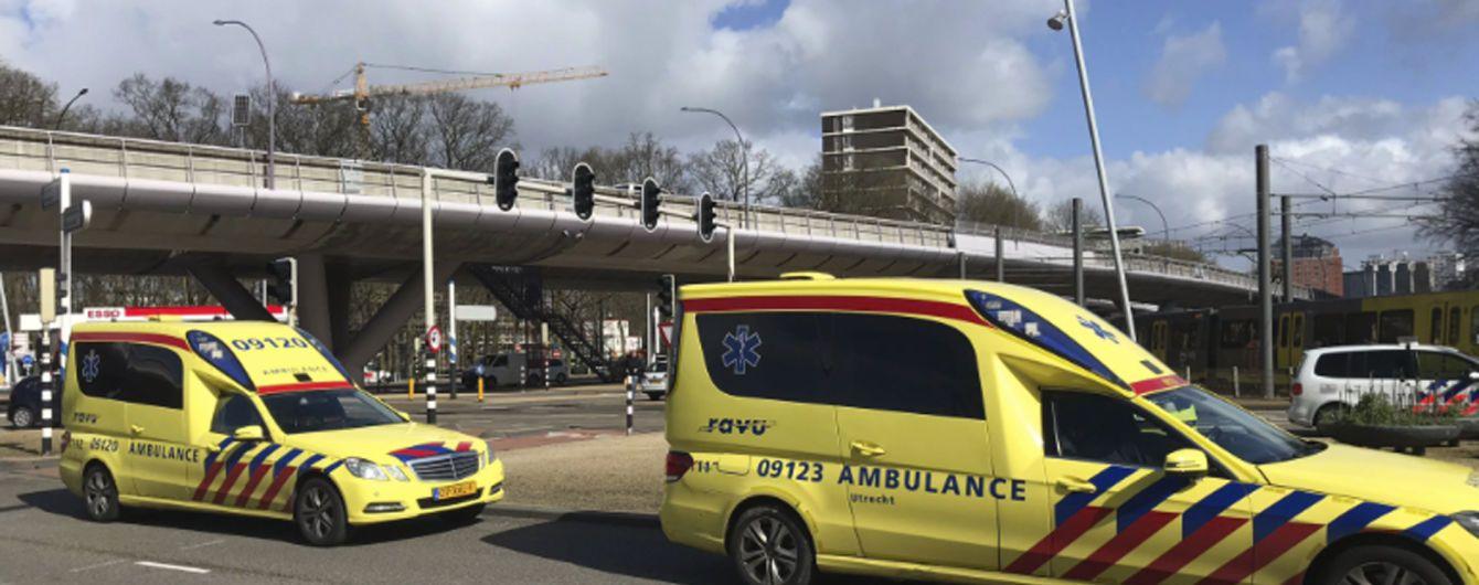 В Нидерландах мужчина устроил стрельбу в трамвае. Полиция рассматривает теракт