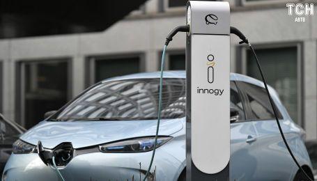 """В Євросоюзі електрокари змусять """"наслідувати"""" бензинові авто"""