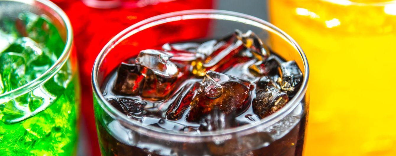 """""""Бомба замедленного действия"""". Исследователи обнаружили смертельную опасность от употребления сладких напитков"""