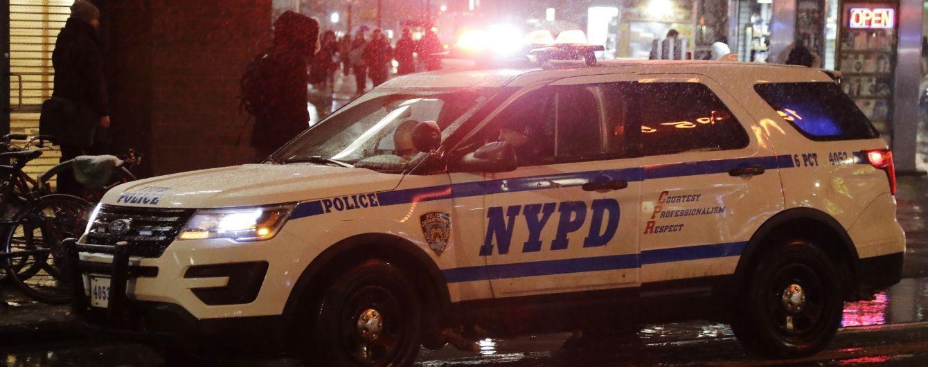 В Нью-Йорке неизвестный обстрелял прохожих