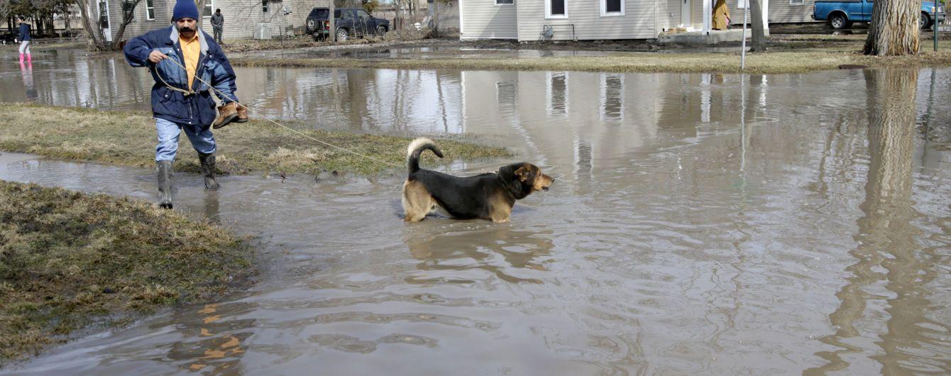 Американский Арканзас после торнадо страдает от наводнения
