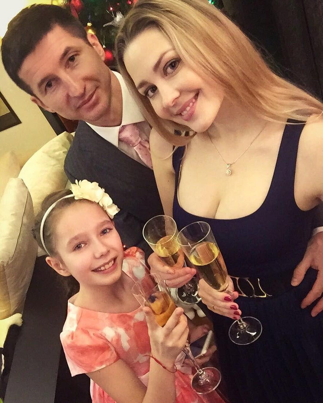 Євген Алдонін з донькою та дружиною