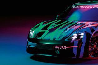 Електрокар Porsche Taycan показали на нових знімках