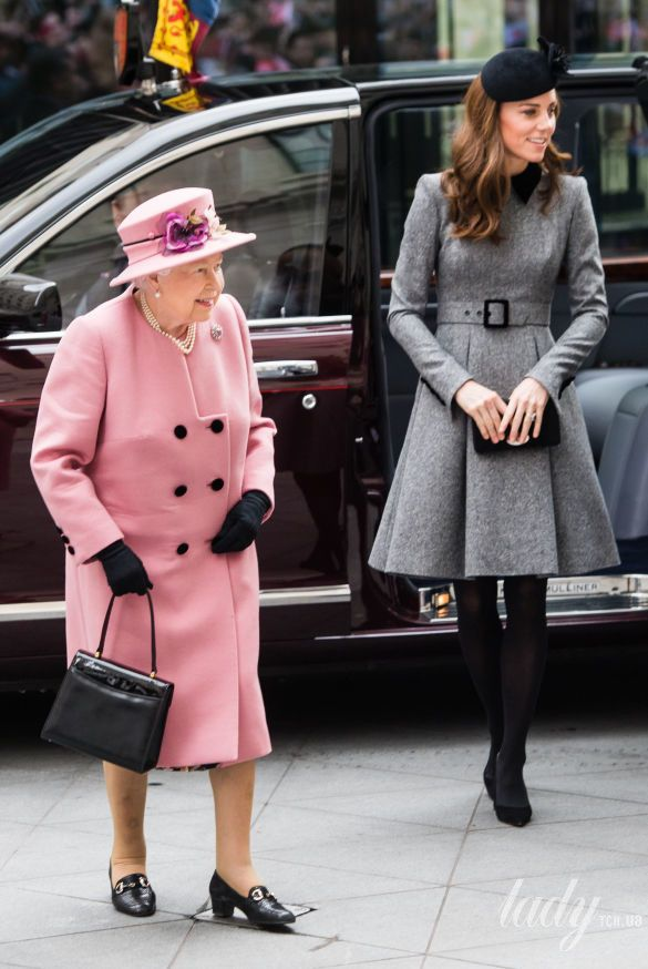 Королева Елизавета II и герцогиня Кембриджская Кэтрин_1
