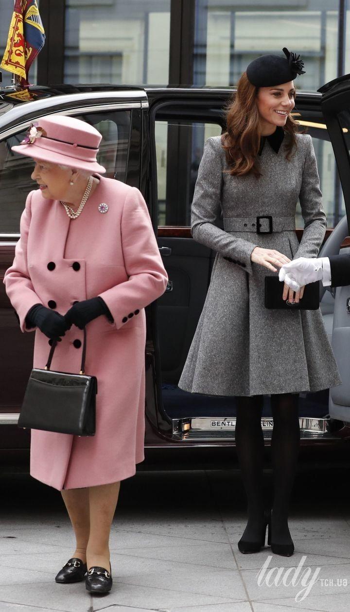 Королева Єлизавета II і герцогиня Кембриджська Кетрін