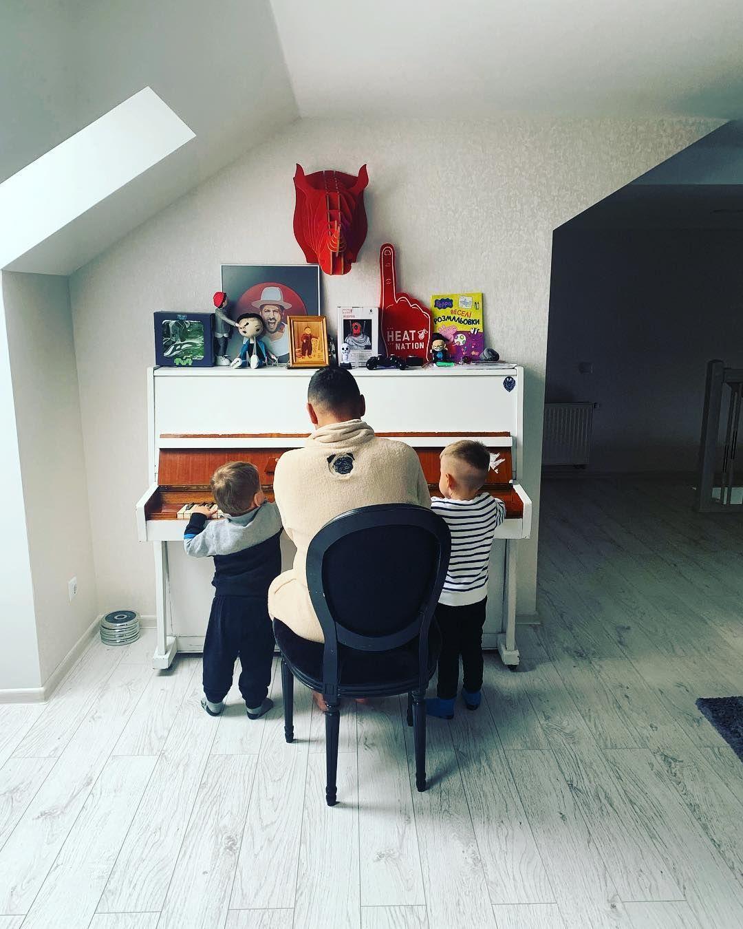 Дмитро Монатік з синами