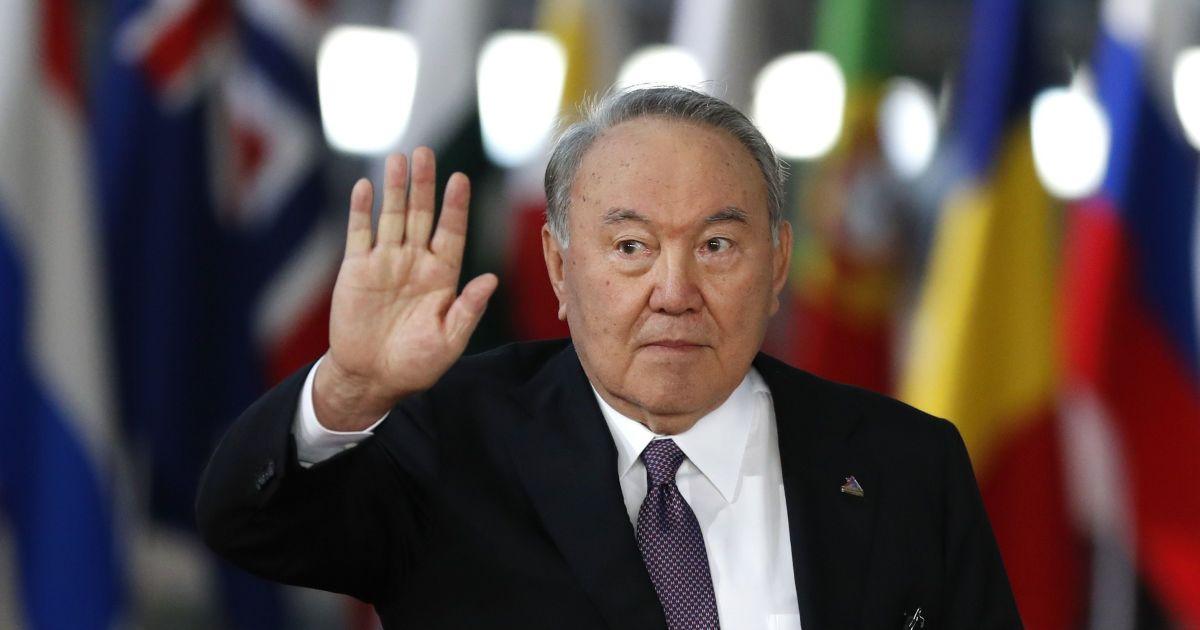 Руйнування тоталітаризму та визнання Казахстану. Назарбаєв підбив підсумки свого 30-річного правління