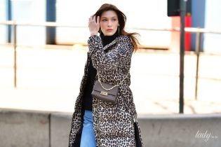 Любит леопард: Беллу Хадид в повседневном образе подловили папарацци на улицах Нью-Йорка