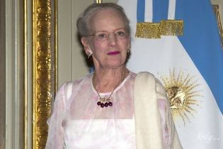 Тепер у прозорому: 78-річна королева Маргрете II сходила на святкову вечерю