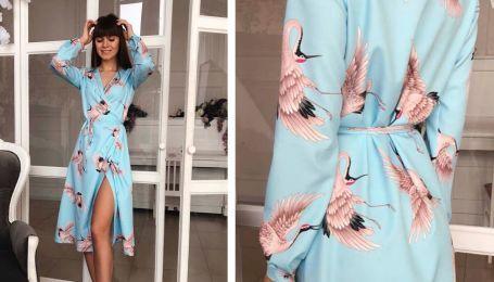Стильні комбінезони і сукні з яскравими принтами у весняній колекції українського бренду