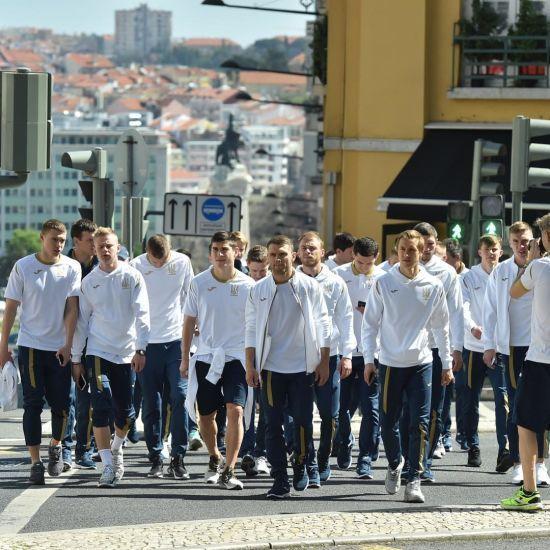 Збірна України прогулялася Лісабоном перед стартом у відборі Євро-2020