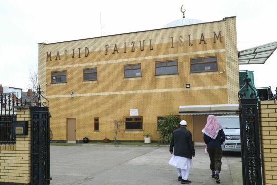Невідомі атакували п'ять мечетей у британському Бірмінгемі