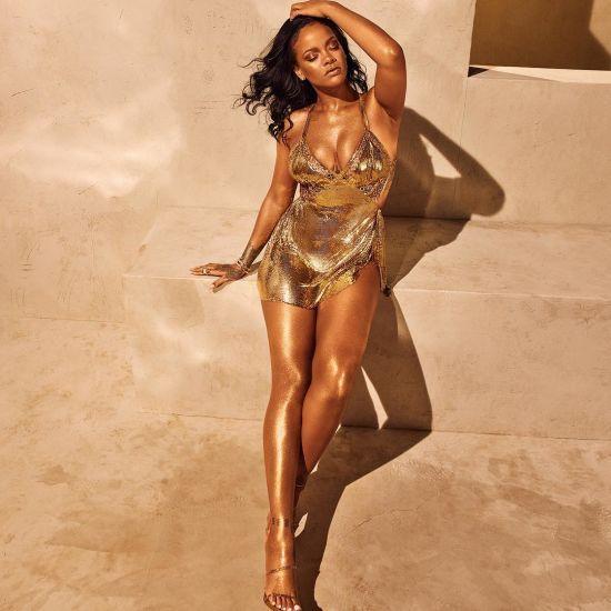Апетитна Ріанна у золотій міні-сукні приголомшила змінами у фігурі