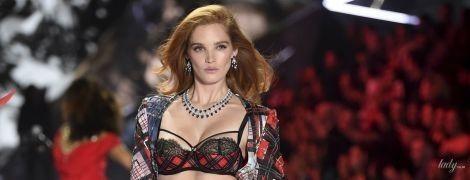 """Коронавірус дістався до """"ангелів"""": модель Victoria's Secret підхопила коронавірус"""