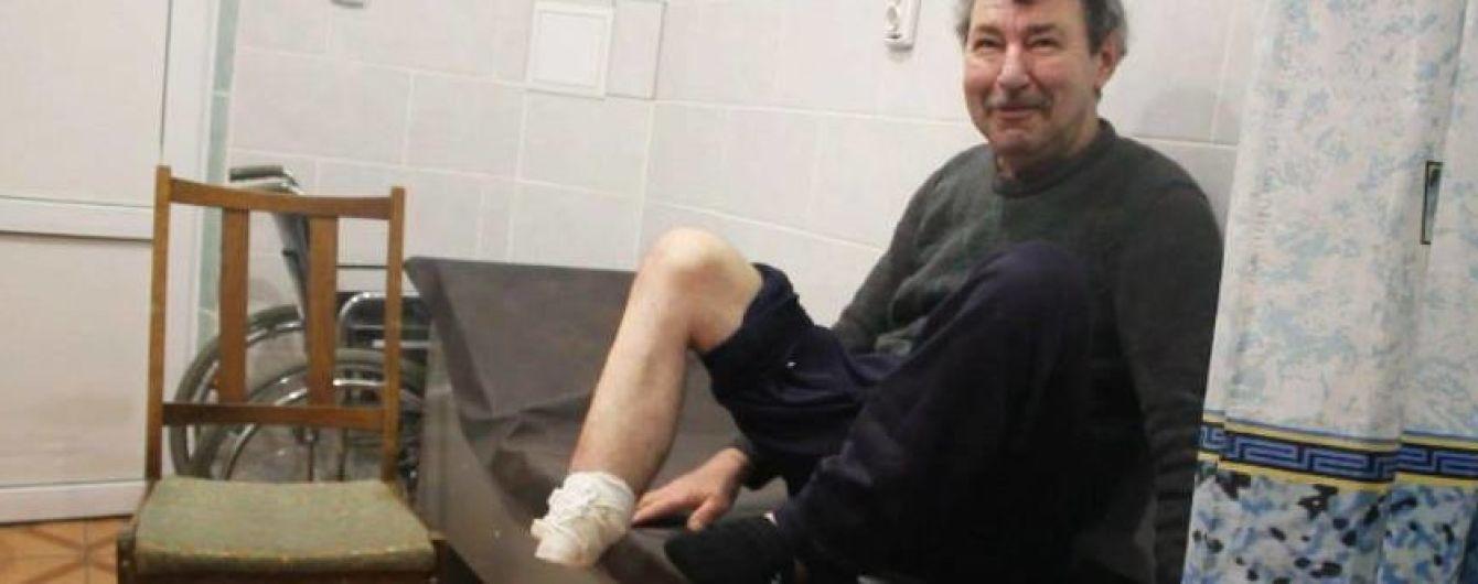 На Сумщині госпіталізували чоловіка, який кухонним ножем ампутував собі ступню і викинув на вулицю