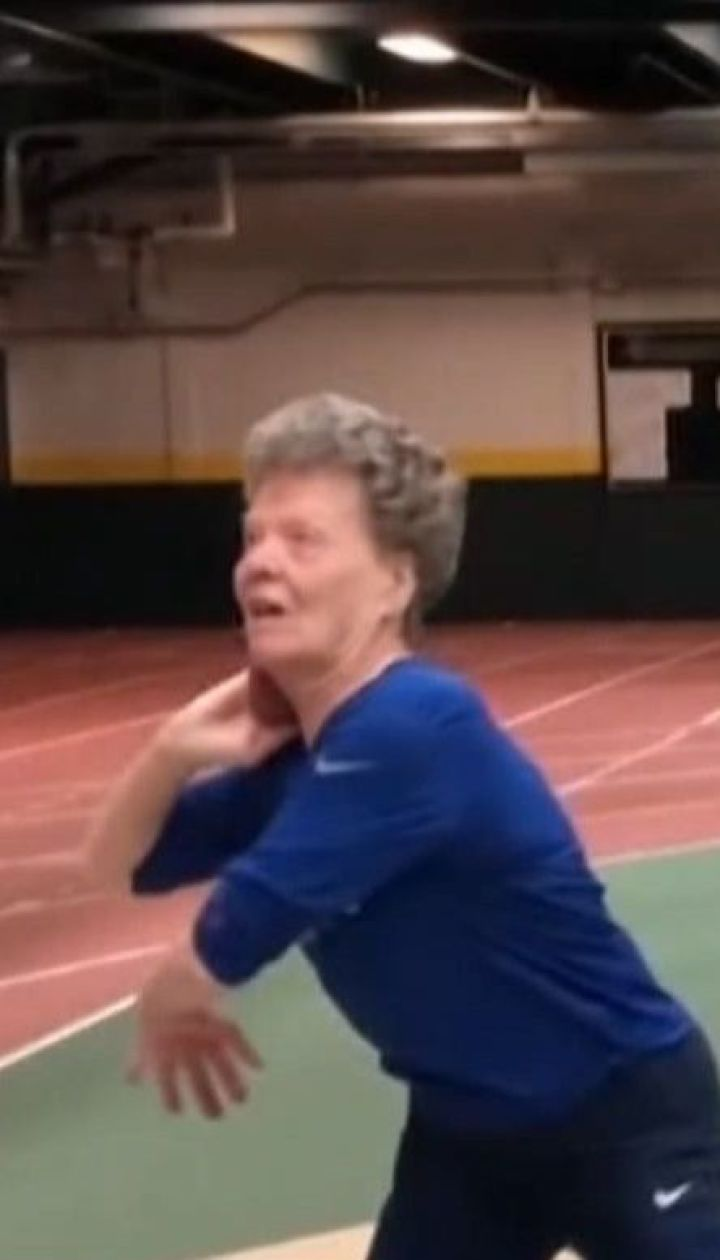 У 84 роки американська бабуся не пече пироги і не в'яже, а досягає спортивних рекордів