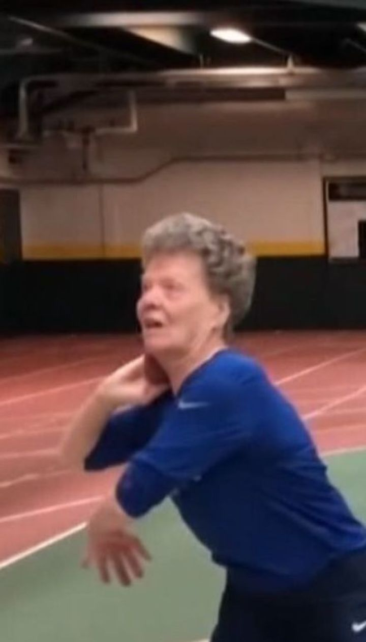 В 84 года американская бабушка не печет пироги и не вяжет, а достигает спортивных рекордов