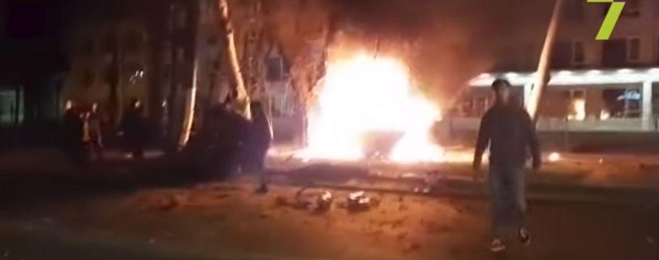 В Одесі після зіткнення авто розірвало на шматки і почалася пожежа