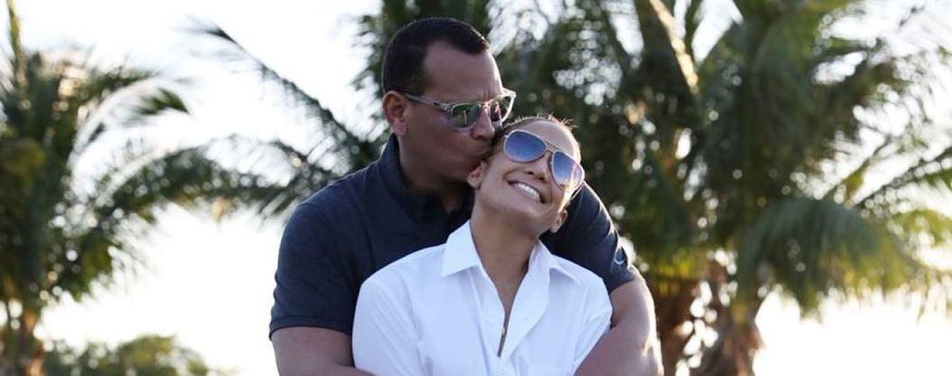 Дженнифер Лопес с женихом получили поздравление с помолвкой от экс-президента США