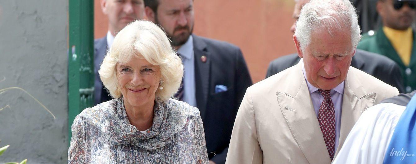 Просто сияет: герцогиня Корнуольская появилась на публике в новом симпатичном платье