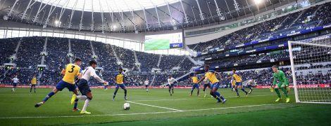 """Как """"Тоттенхэм"""" открыл новый суперстадион матчем юношеских команд"""