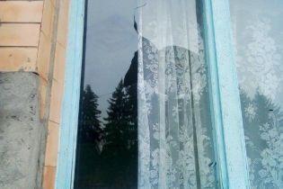 На Рівненщині невідомі розбили вікно виборчої дільниці