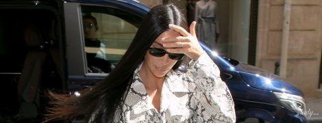 Вся в питоне: эффектная Ким Кардашьян в объективах французских папарацци