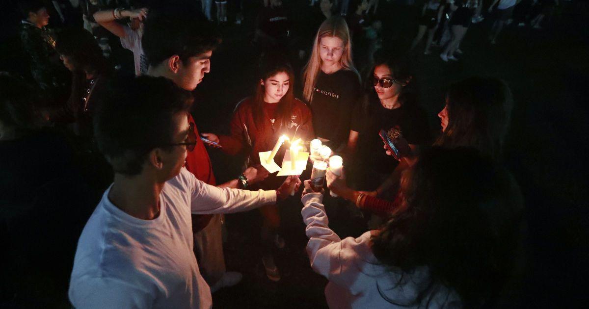 Після моторошної стрілянини у школі Паркленда вже другий учень скоїв самогубство