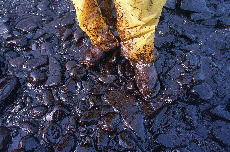 вилив нафти