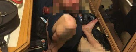 Во Львове полиция задержала вора, который во время ограбления квартиры решил принять душ