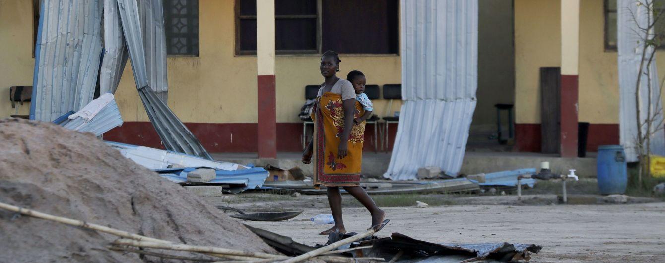 """У Мозамбіку місто, яке на 90% знищив циклон """"Ідай"""", накрив новий шторм"""