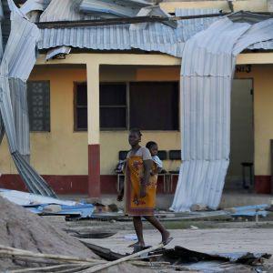 """У Мозамбіку на місто, яке на 90% знищив циклон """"Ідай"""", обрушився новий шторм"""