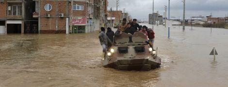 В Иране в результате внезапного наводнения погибли 19 и пострадали более 100 человек