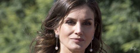 Красивая королева Летиция и женственная Хулиана Авада: дамы на торжественном приеме в правительственном доме