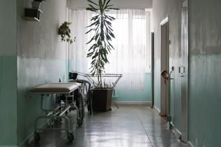 В Кропивницком первоклассник заболел менингитом. Родные и друзья ребенка также пострадали