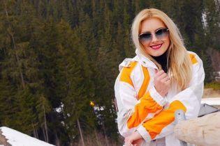Ирина Федишин показала, как ее дети впервые попробовали лыжный спорт