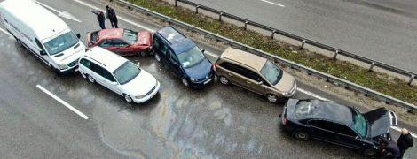 Массовое ДТП под Киевом: на Бориспольской трассе не разминулись девять автомобилей